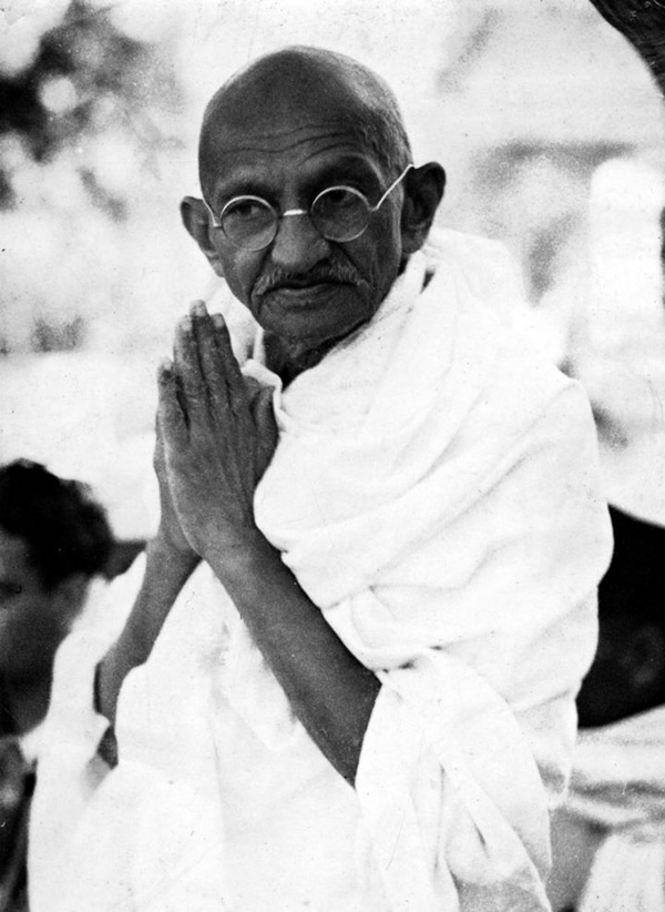 an introduction to the life of gandhi