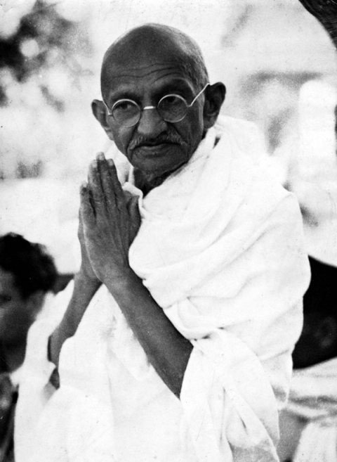 A biography of mohandas karamchand gandhi indian philosopher